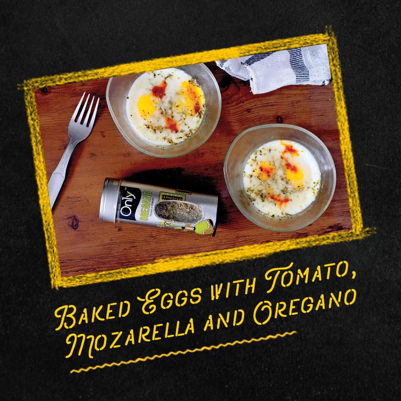 Baked eggs with tomato mozarella and oregano